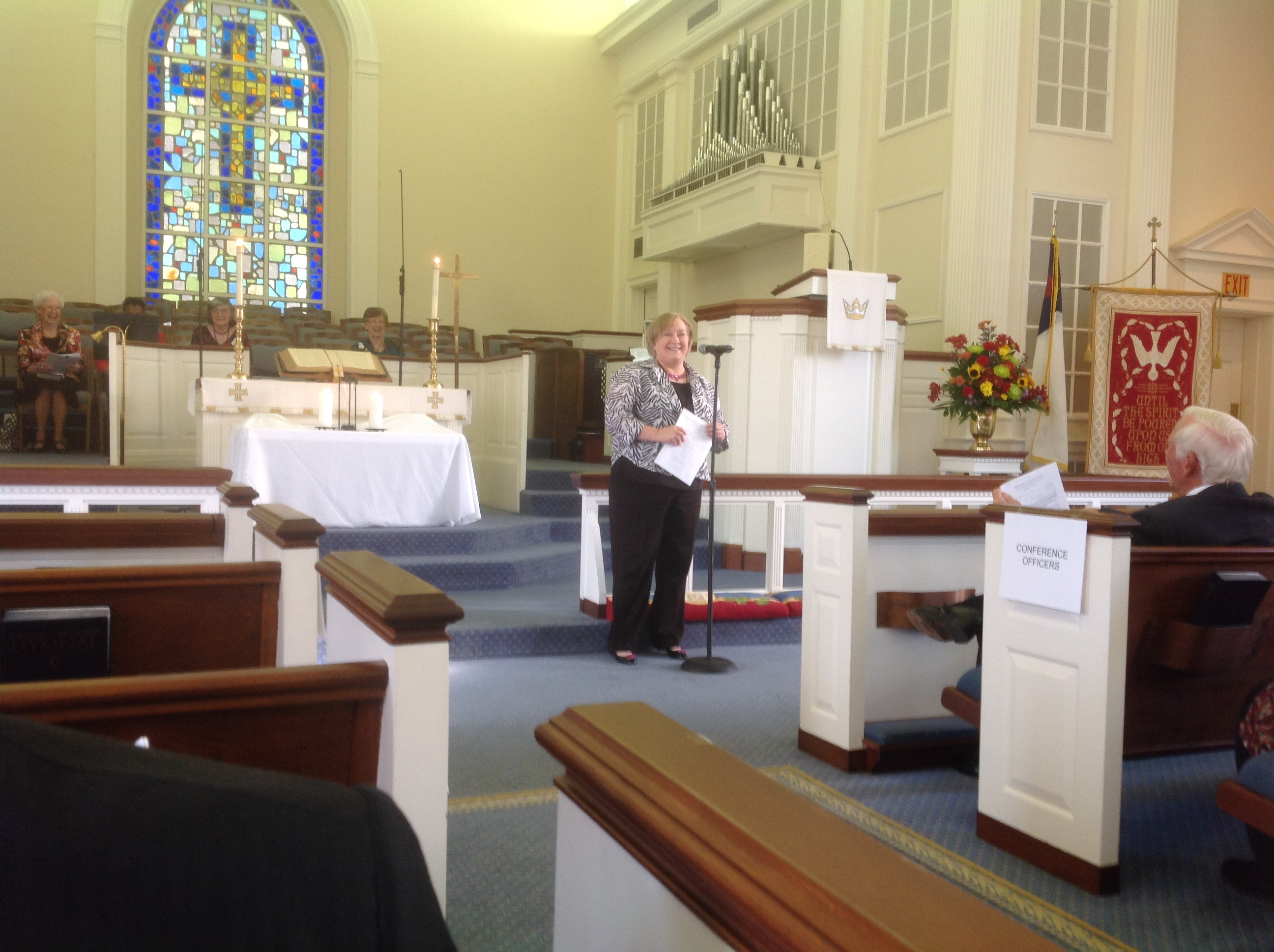Rev. Leigh Ann Raynor welcomes the UMW Annual Meeting to Porterfield Oct 18