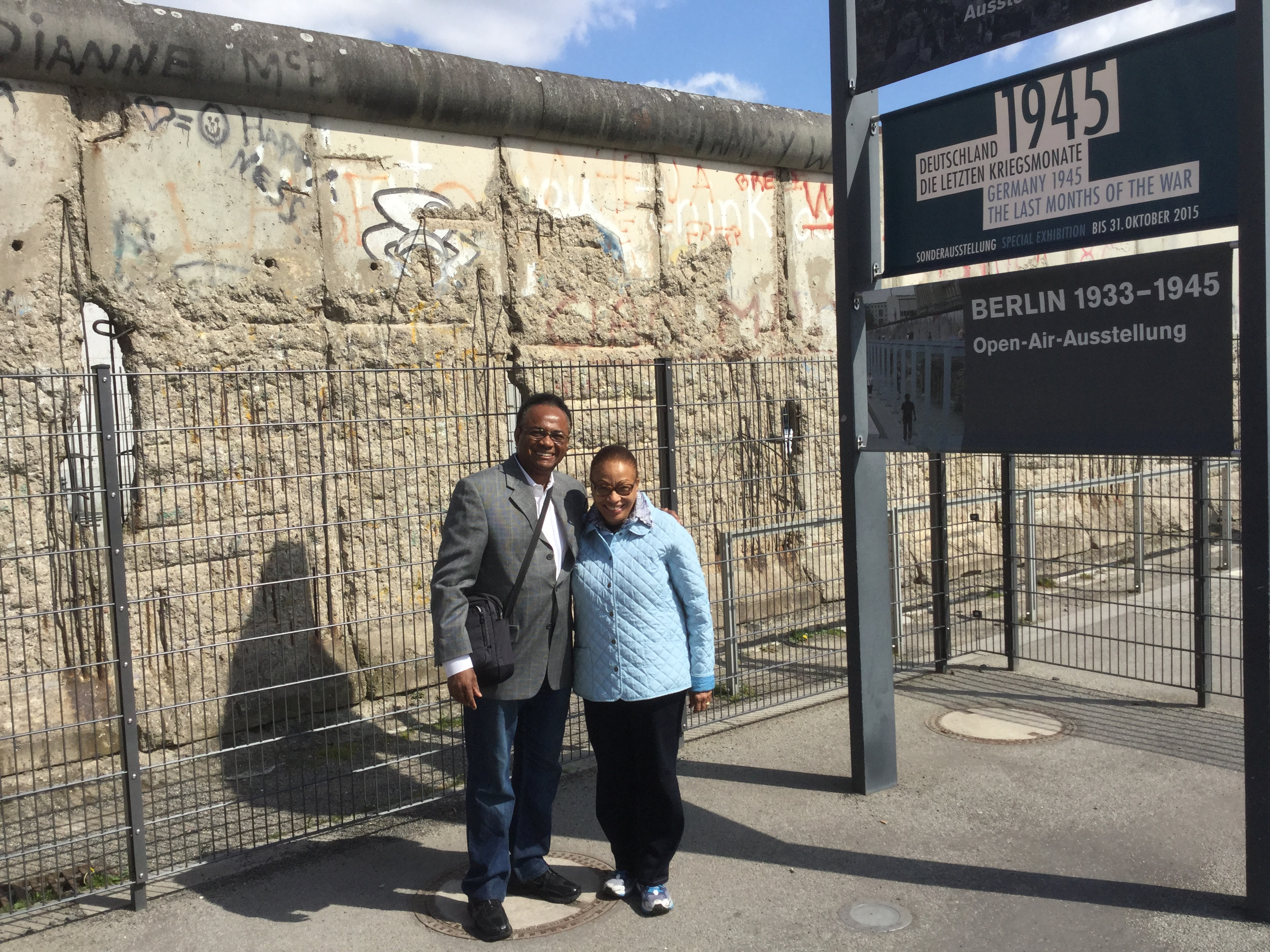 Bishop and Rose at the Berlin Wall
